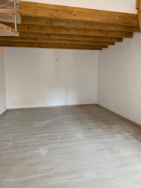 Avignon proche centre, duplex 60 m2, salon